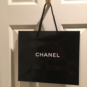 🖤CHANEL 3 Med. Blk glossy shopping bag Brand NEW!